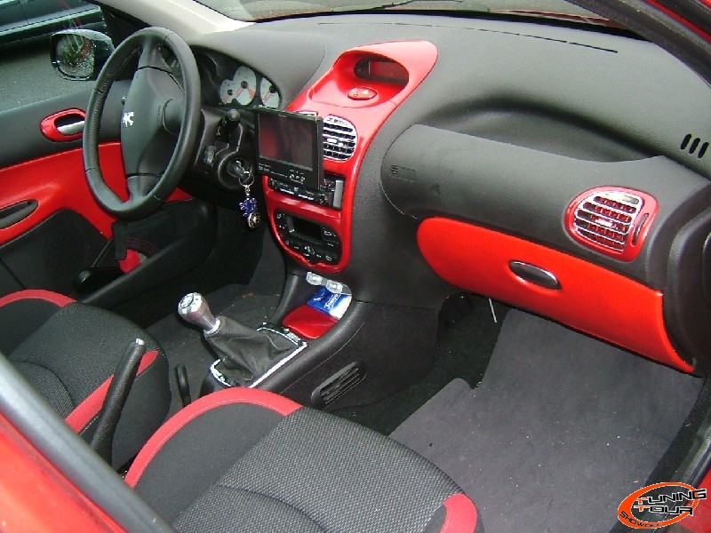 Tuning tour peugeot 206 de 2006 for Interieur 206 s16